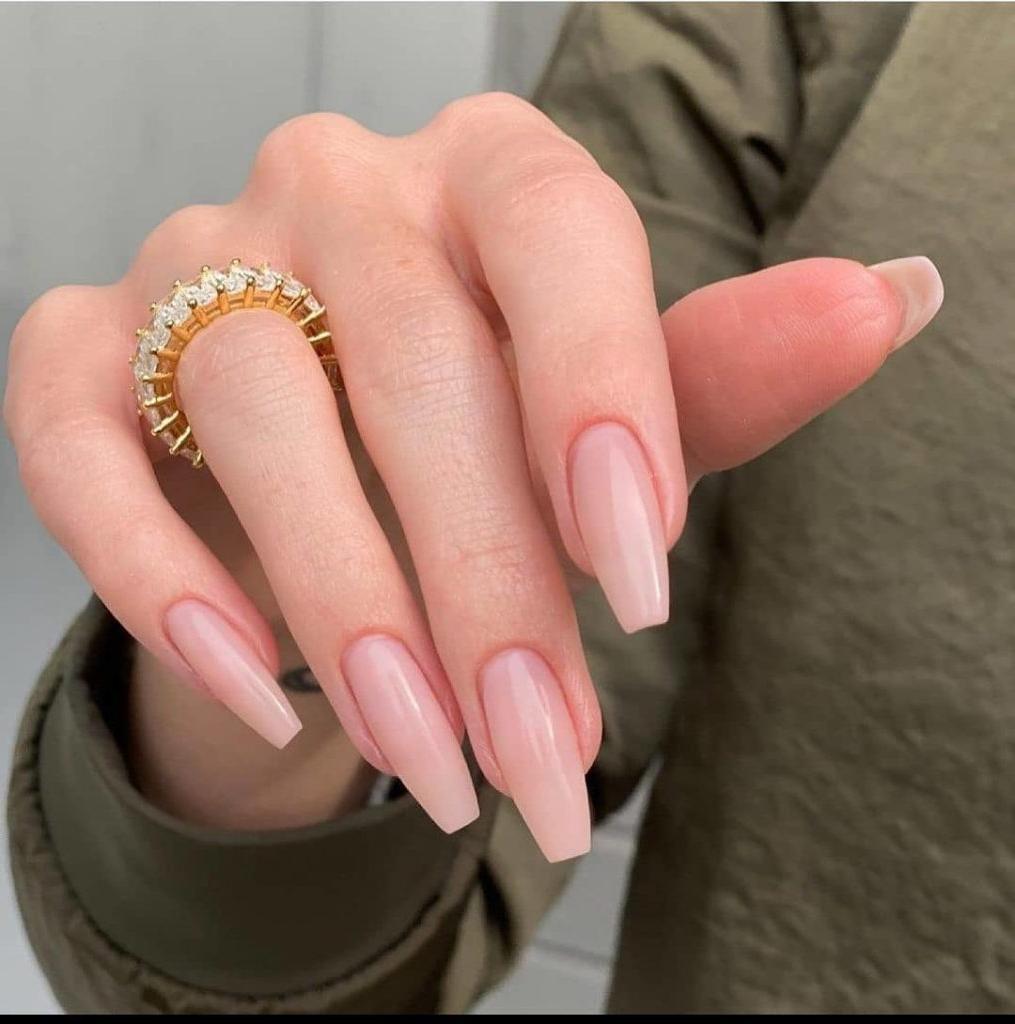 couleur ongle gel bague or forme et longueur ongles été couleur de base nude vernis