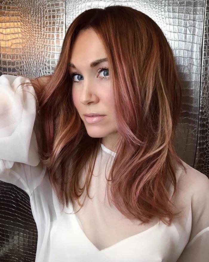 coupe cheveux épais dégradé coloration tendance meches colorées coiffure maison brushing