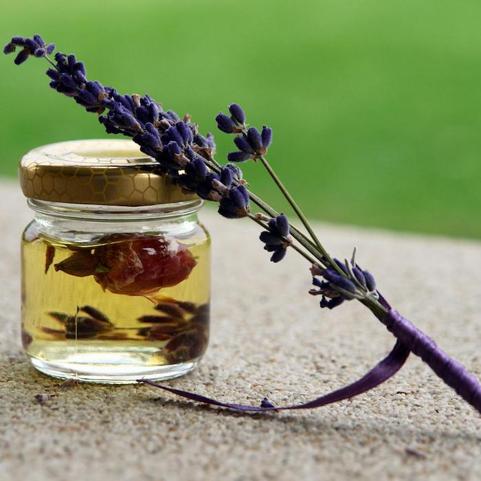 huile essentielle contre les mouches huile de lavande contre les insectes