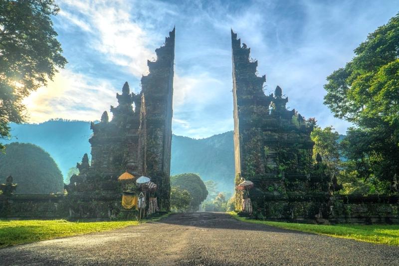 image ile paradisiaque bali temples spiritualité voyage yoga retreat destination