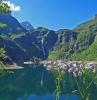 lac montagne avec cascade pitoresque lac d oo