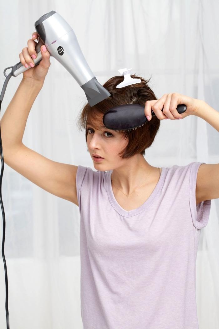 mode année 70 t shirt lavande outils lavage cheveux séchage brosse ronde pinces a cheveux