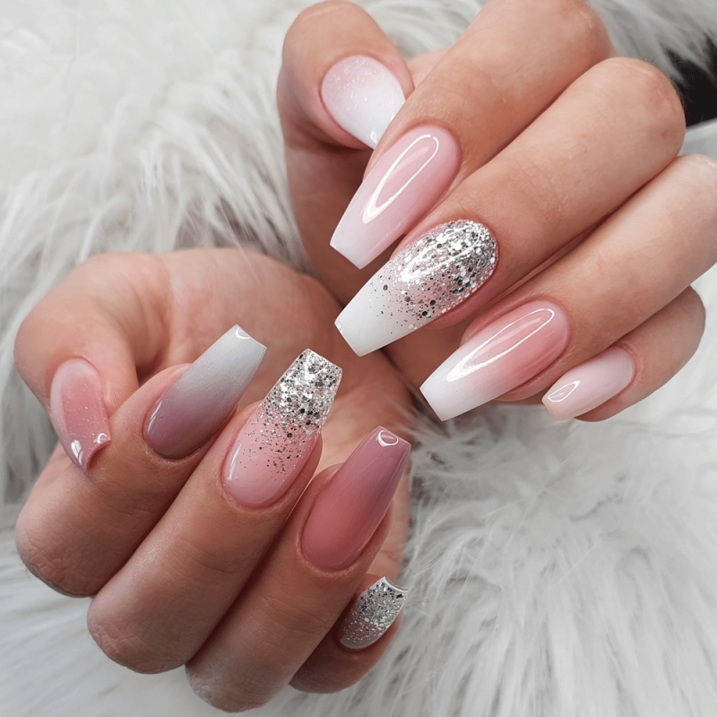 ongle baby boomer paillette argentée ongles longs manucure french décoration