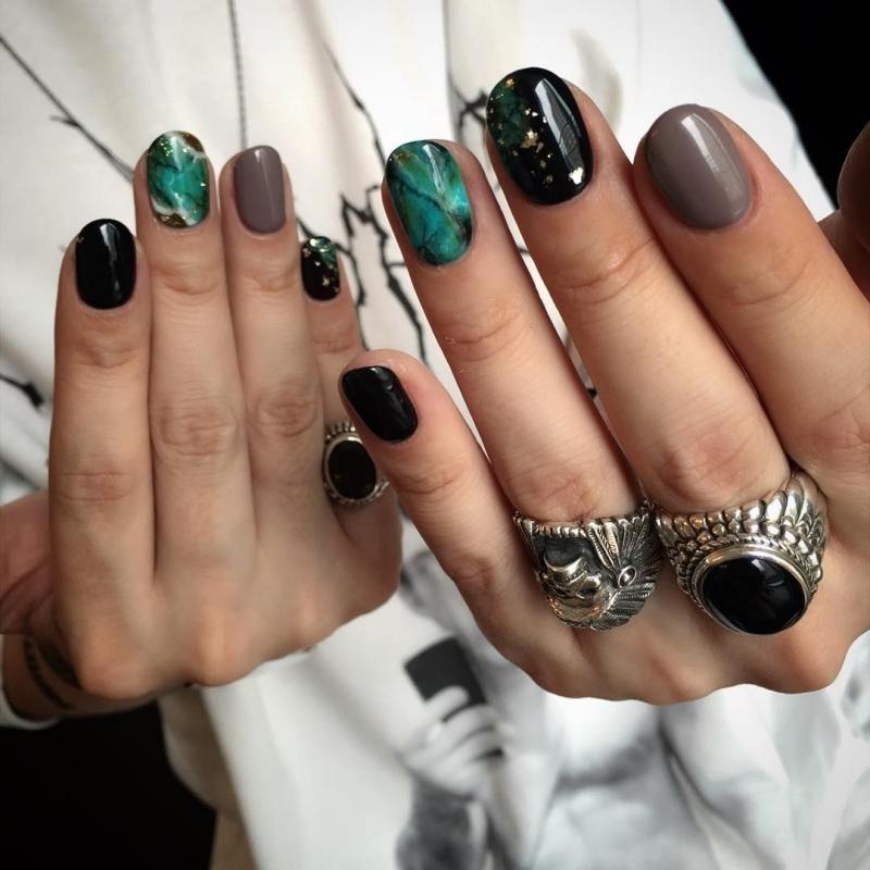ongle nail art effet marbre ongle noir couleurs tendance turquoise