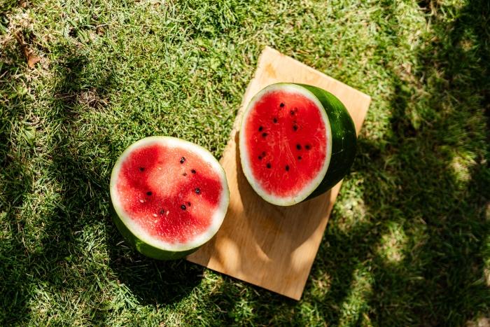 pasteque culture fruit mur jardin couper une pasteque fruit saisonier été choix mélon d eau mur