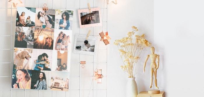 pêle mêle patchwork de photos d amis famille souvenirs accrochées avec des pinces sur grillage