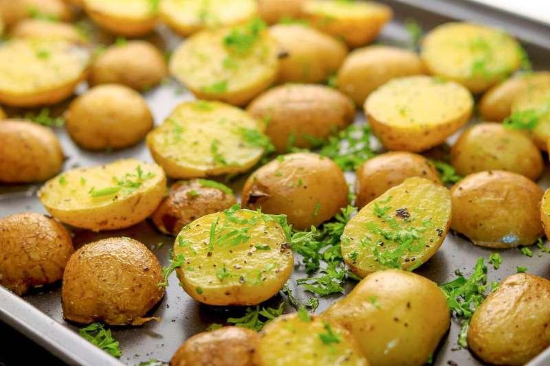 pomme de terre en rondelle au four aux herbes