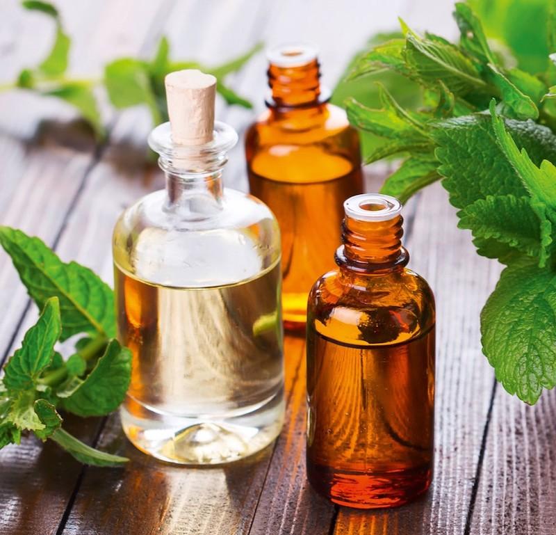 rétention d eau ventre solution naturelle a l aide des huiles essentielles