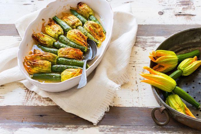 recette courgette au four courgettes entières fleurs de courgettes mangeables