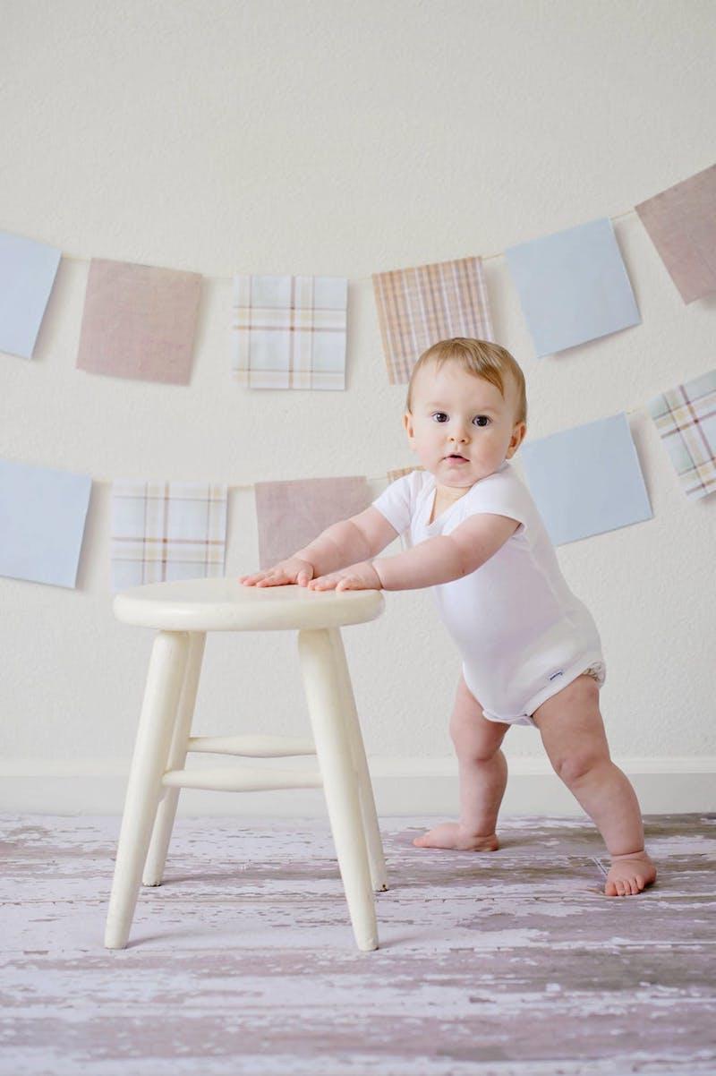 accessoire bebe tabouret et guirlande en tissu