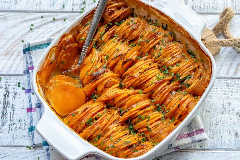 accompagnement patate douce en rondelles au four avec des herbes