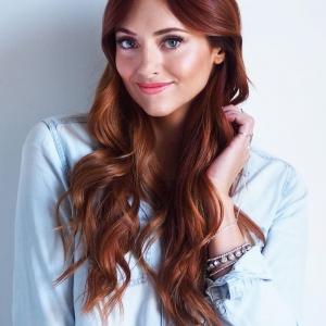 Cheveux auburn cuivré - coloration tendance à adopter cet automne