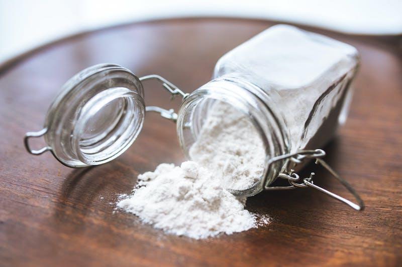 bicarbonate de soude produit pour enlever la rouille facilement