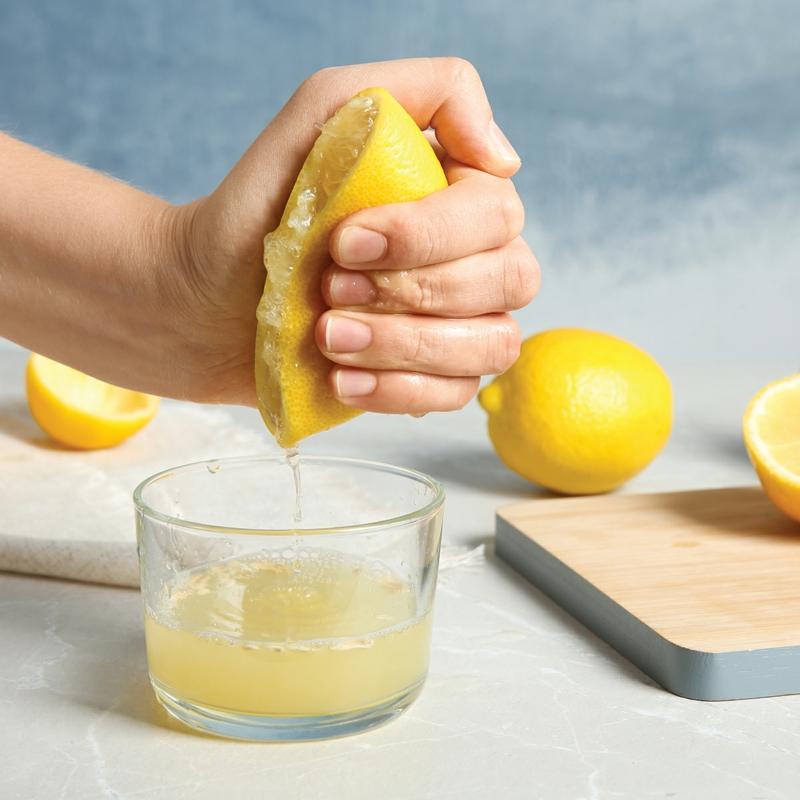 bienfait du citron mettre du jus de citron dans l eau