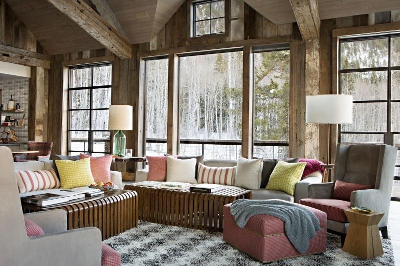 cocooning cosy idee deco salon coussins décoratifs tabouret tissu rose