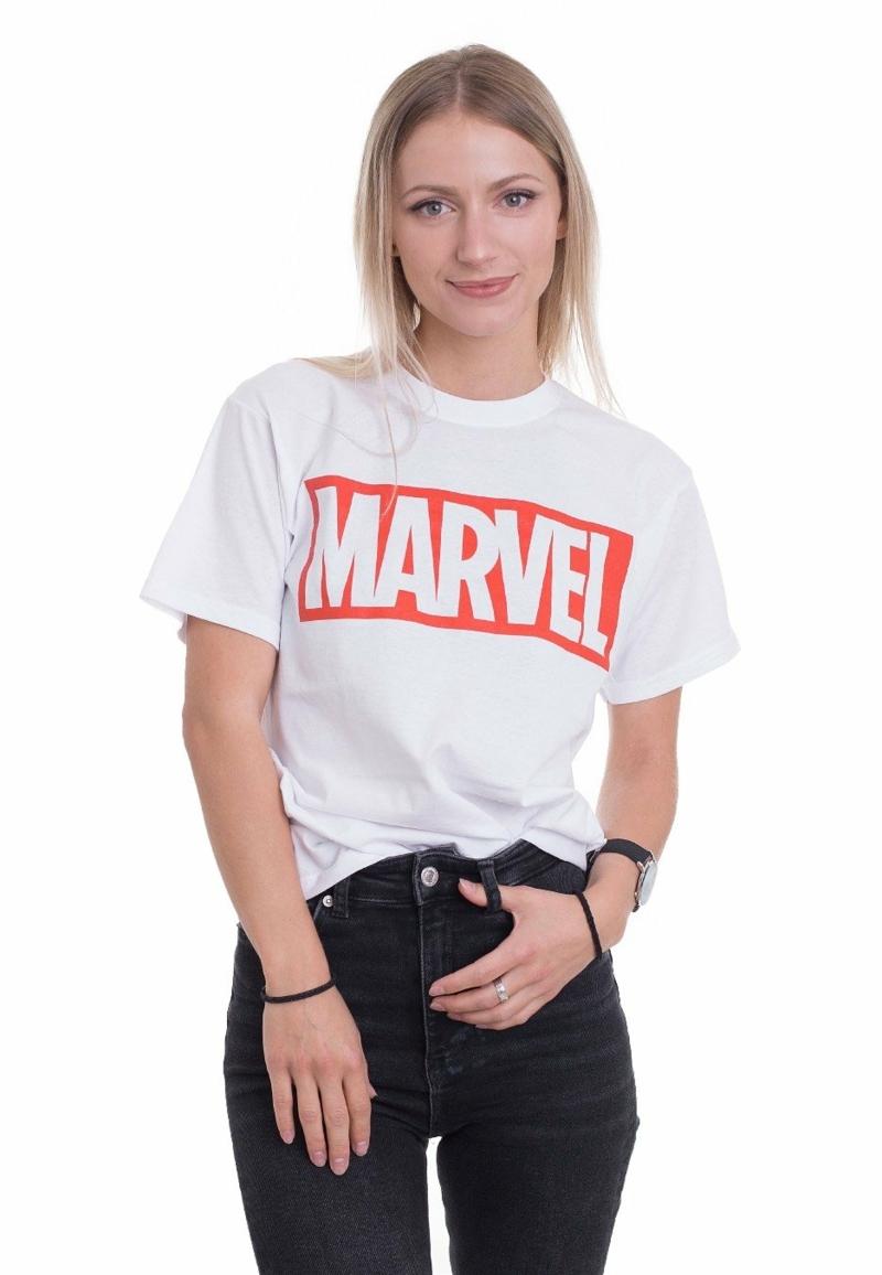collège comment bien s habiller ado fille 13 ans fille qui porte un t shirt marvel