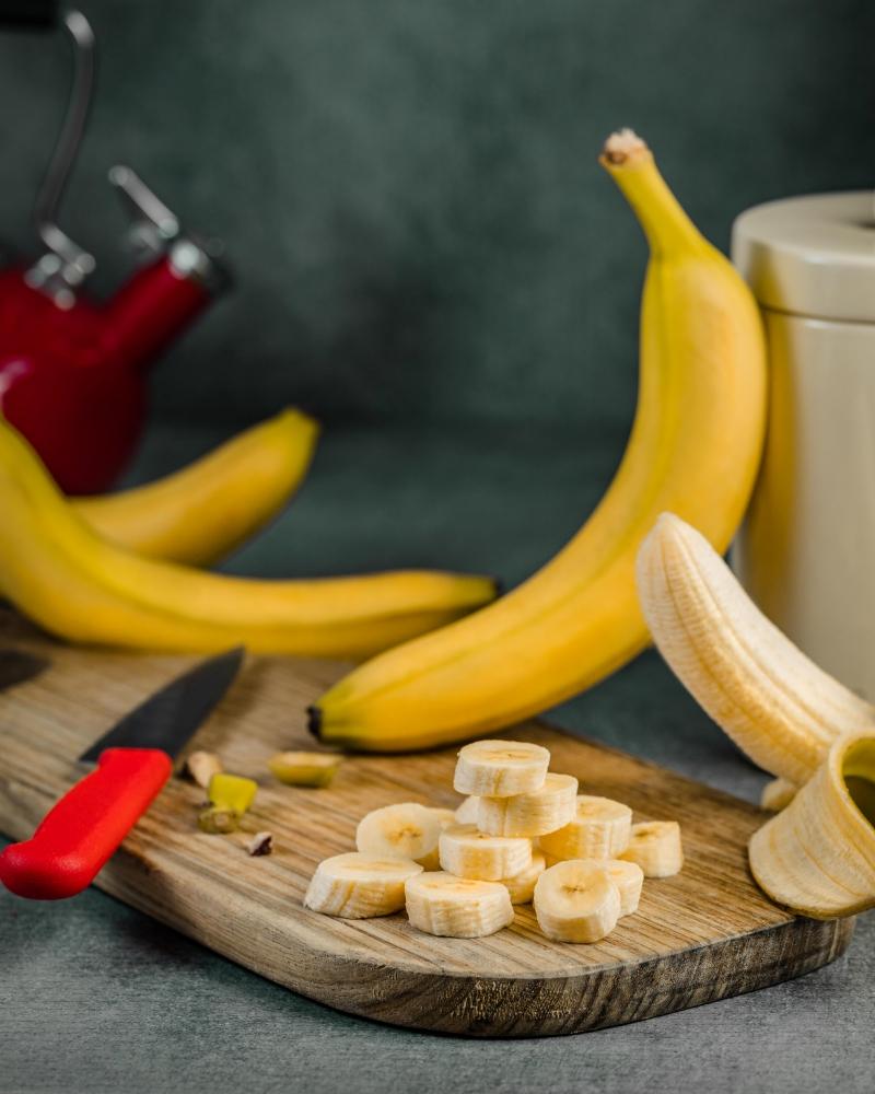 conservation banane en morceaux sac plastique refrigérateur