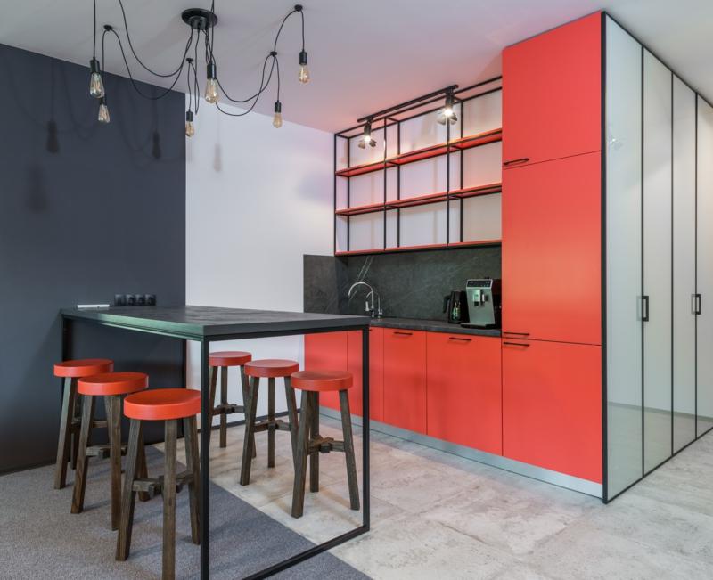 cuisine gris anthracite quel couleur au mur rouge