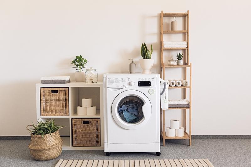Nettoyer une machine à laver : nos astuces efficaces pour assurer le bon fonctionnement de son lave-linge