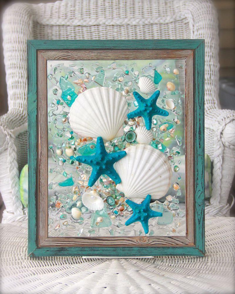 déco avec coquillages tableau avec cadre peint en turquoise
