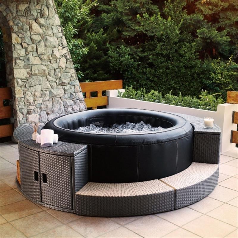 deco autour d un spa gonflable petit jardin avec jacuzzi design idées