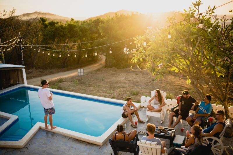 decoration exterieur jardin moderne fêter avec des amis