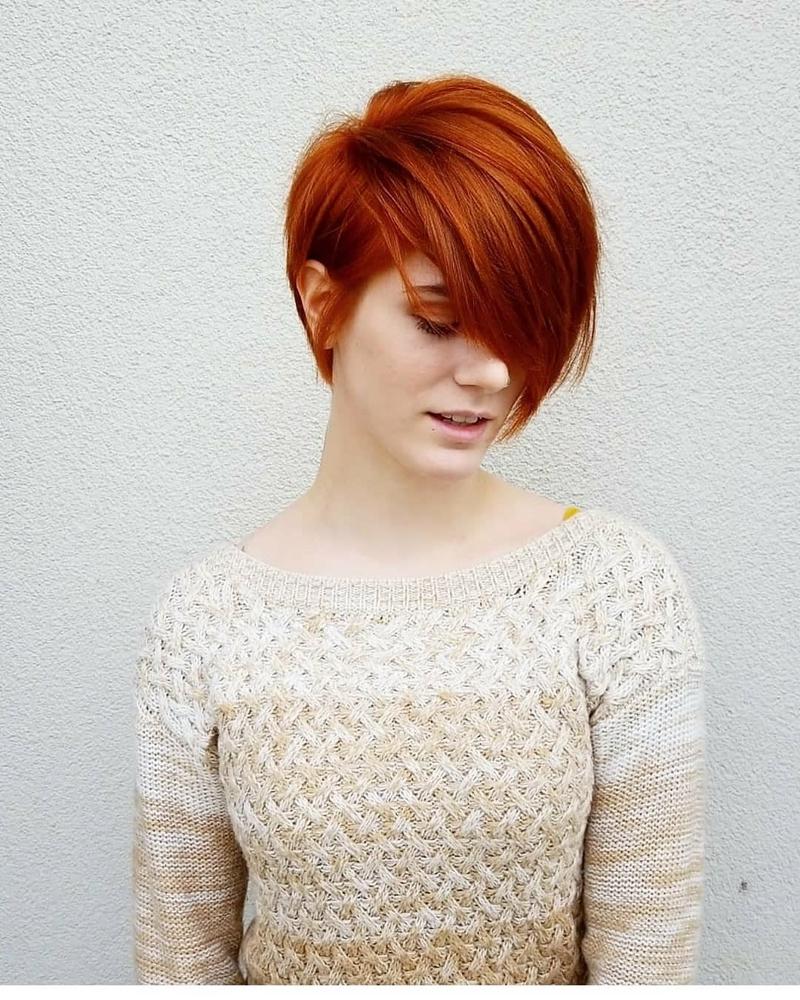 idée coiffure cheveux court pixie coupe courte femme coloration tendance