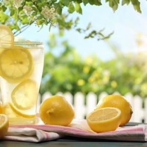 Le jus de citron à jeun le matin - c'est pour moi ?