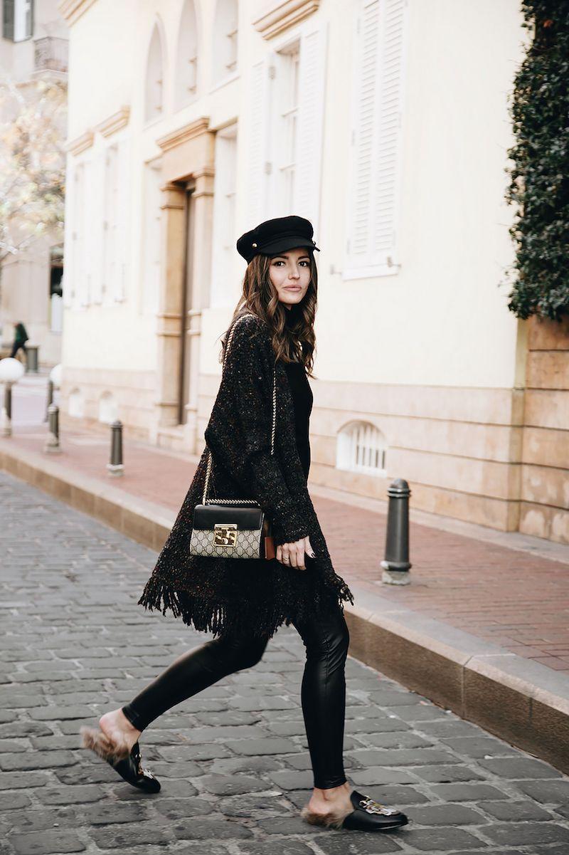 look casual chic femme 2021 casquette chaussures et tenue en noir
