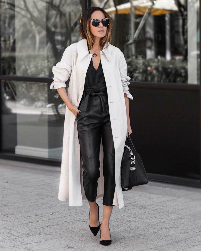 look d automne 2021 femme en tenue casual chic en noir et blanc