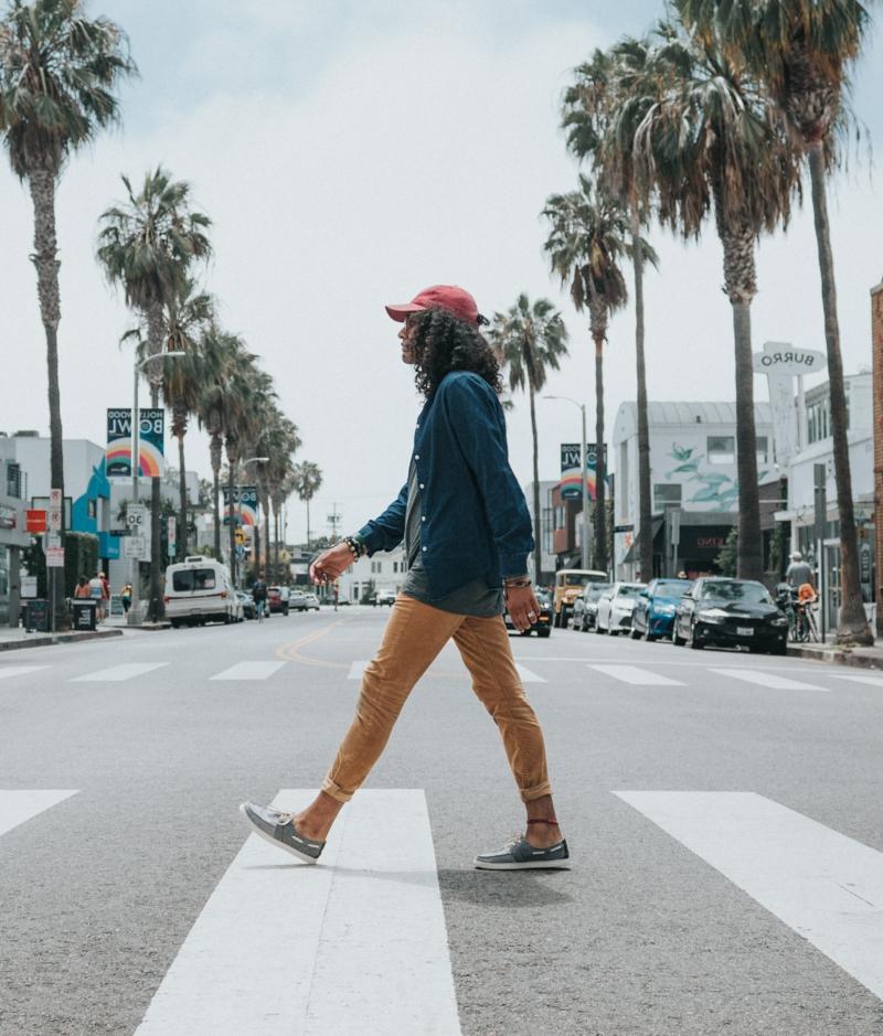 marcher pour maigrir une promenade dans la ville