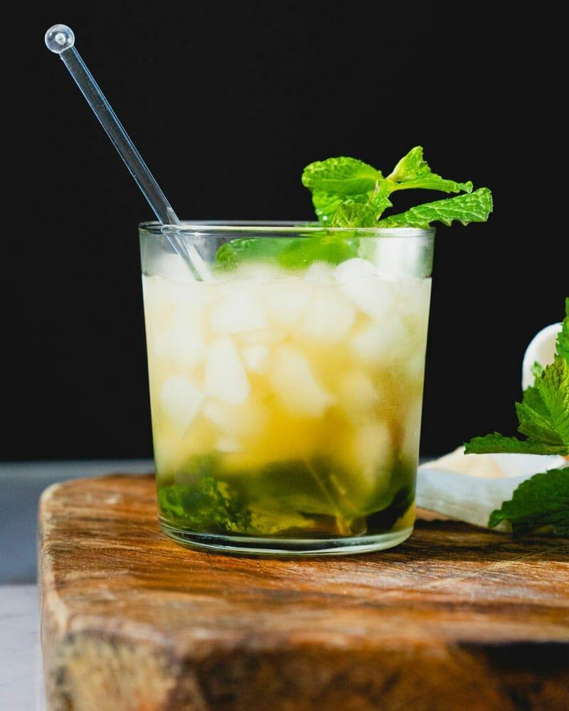 mint julep idée de cocktail été avec alcool et sirop de menthe fraiche
