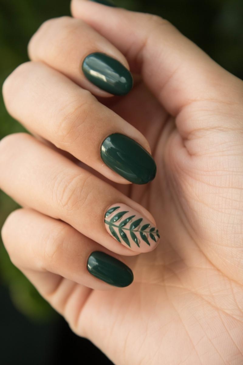 ongle kaki ongles d automne couleur vert foncé
