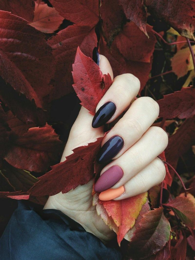 ongles en couleurs d automne ongles bleus oranges vernis automne