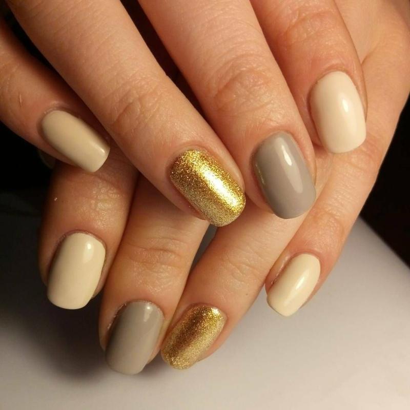 ongles en couleurs d'automne ongles beige et or