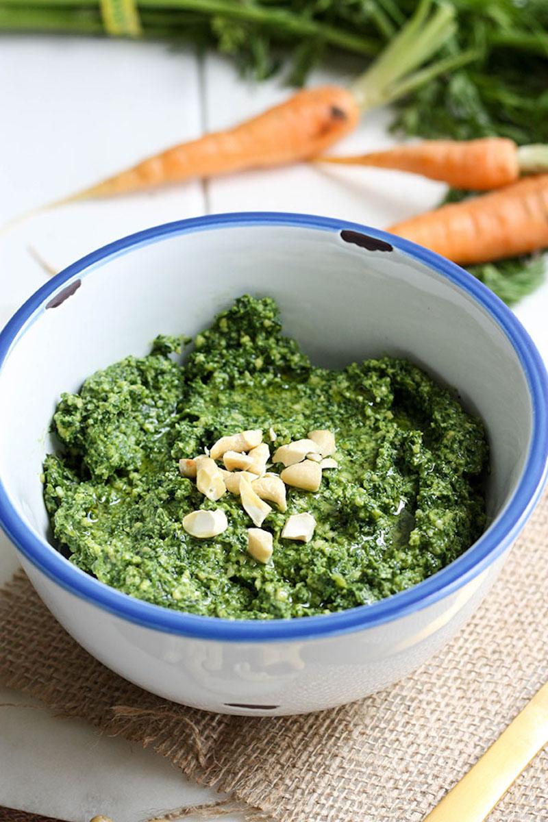 pesto fane de carotte maison avec des noix de cajou idée recette gaspillage alimentaire