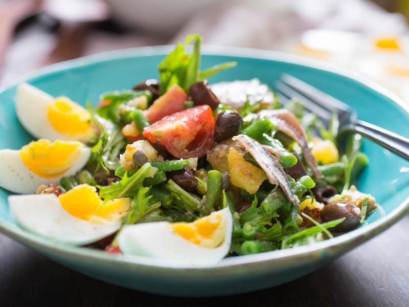 recette salade nicoise d anchois oeufs tomates olives roquette