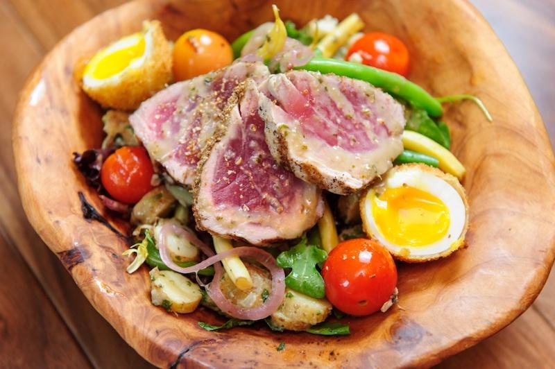 salade de riz thon œuf tomates cerises roquette oignon