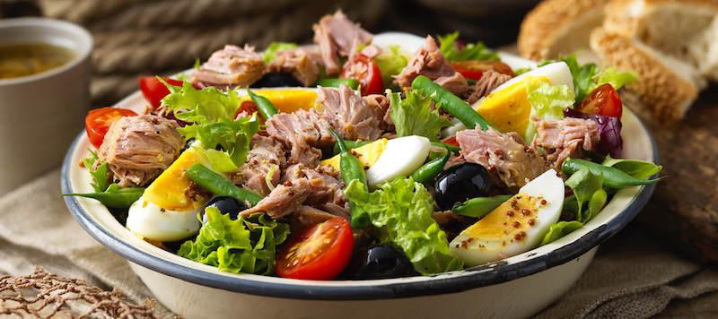 salade de thon aux œufs tomates olives salade verte