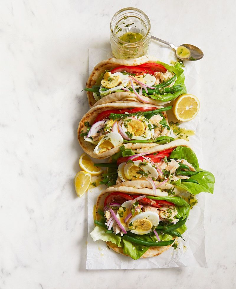 salade oeuf dur haricots verts tomates avec pain arabe