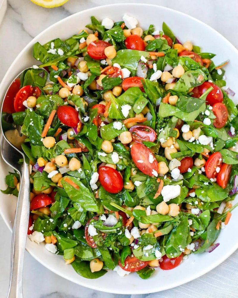salade pois chiches tomate épignard carotte et feta