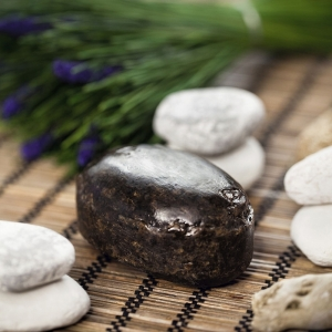 Le savon noir contre pucerons : produit naturel et efficace
