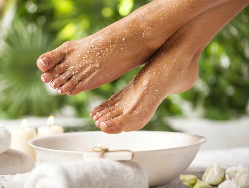 sel d epsom c est quoi une femme qui traite ses pieds du sel d epsom
