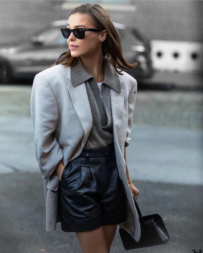 short simili cuir femme en noir