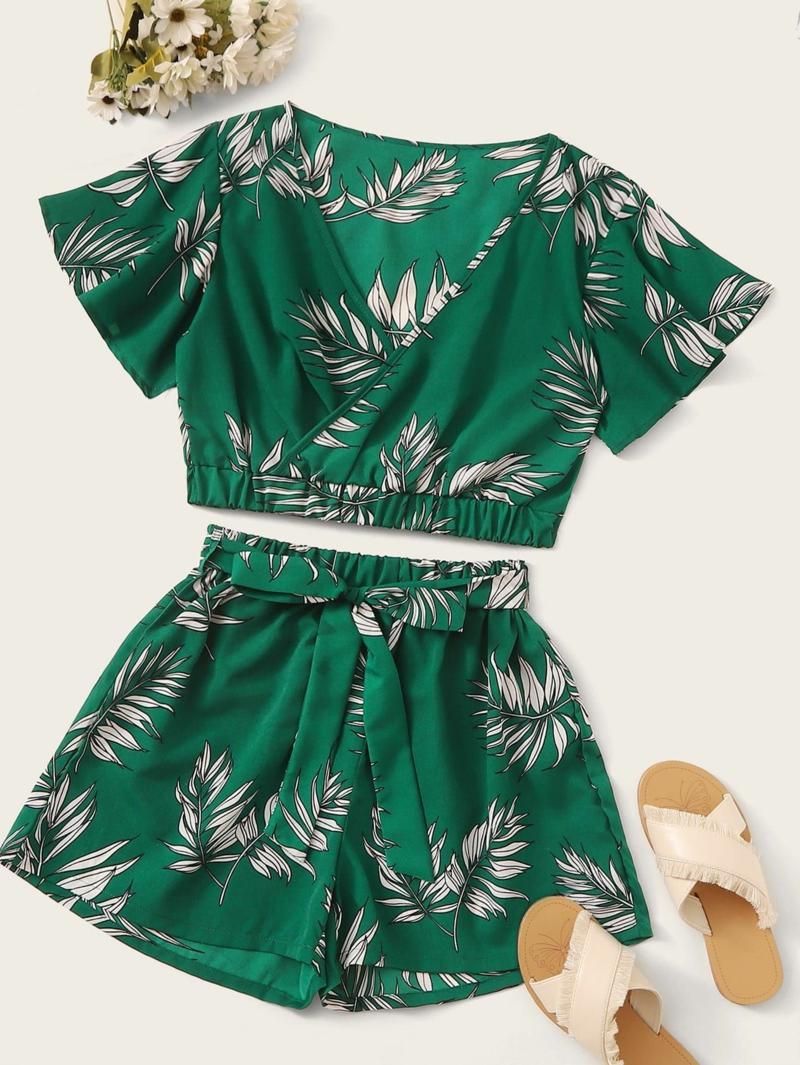 style vestimentaire ado fille 2021 une blouse cache coeur avec des pantalons