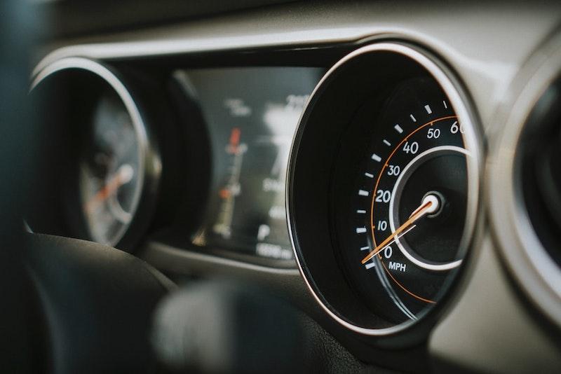 tableau de bord voiture image de kilométrage
