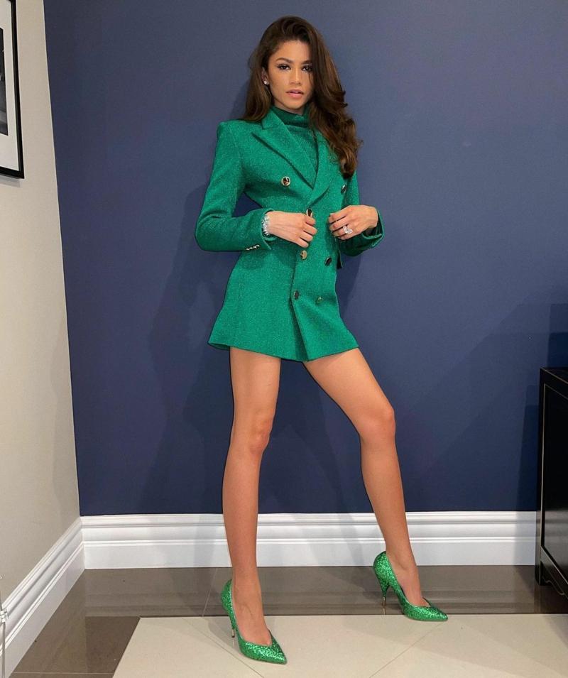 tenue ado fille au collège zendaya en robe blazer verte