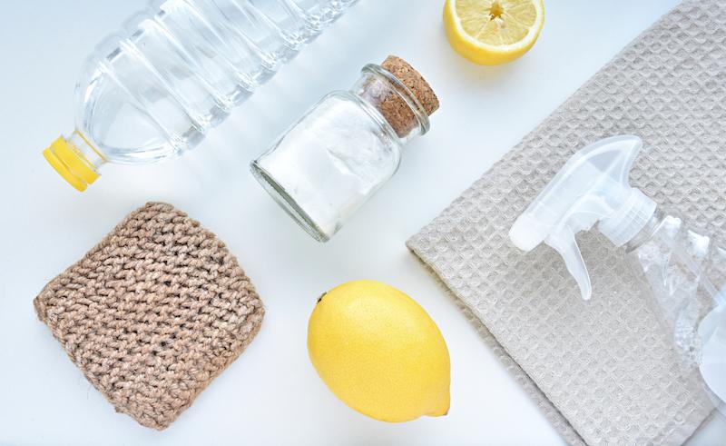 utiliser des produits naturels pour nettoyer frigo vinaigre blanc jus de citron bicarbonate de soude