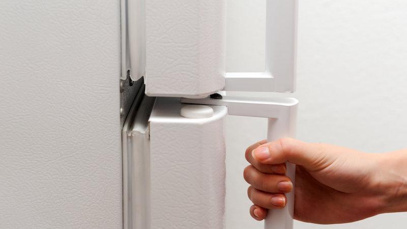 verifier les joints du frigo désinfecter frigo pour meilleur fonctionnement de l appareil