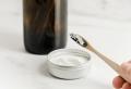 Comment avoir les dents blanches : produits naturels et bons gestes d'hygiène dentaire